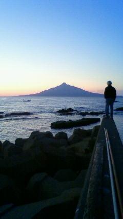 礼文島から利尻島の夜明け
